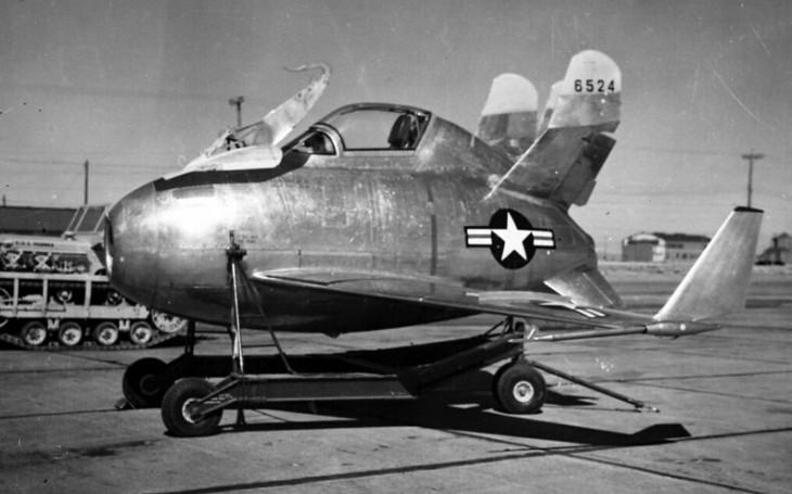 VIDEO: Americký ,,skřítek&quote; nakonec bombardér B-36 neochránil. Projekt parazitního letounu se ukázal neživotaschopným