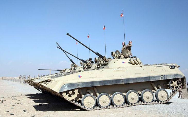 KOMENTÁŘ: Je nutné modernizovat armádu. Starý šrot už nemůžeme potřebovat