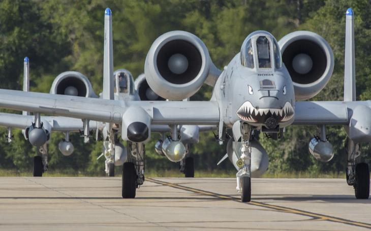 Švédská A-10 proti postupujícím hordám sovětských tanků
