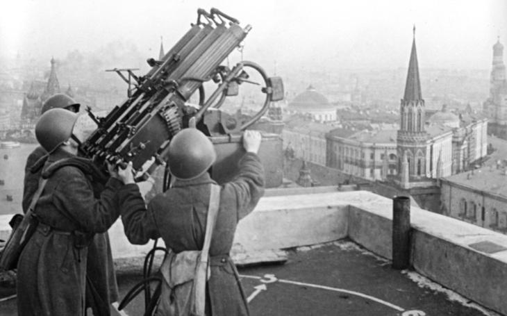 Ničení továren, demolice metra, evakuace do Samary. Sovětský plán v případě nacistického obsazení Moskvy byl realitou