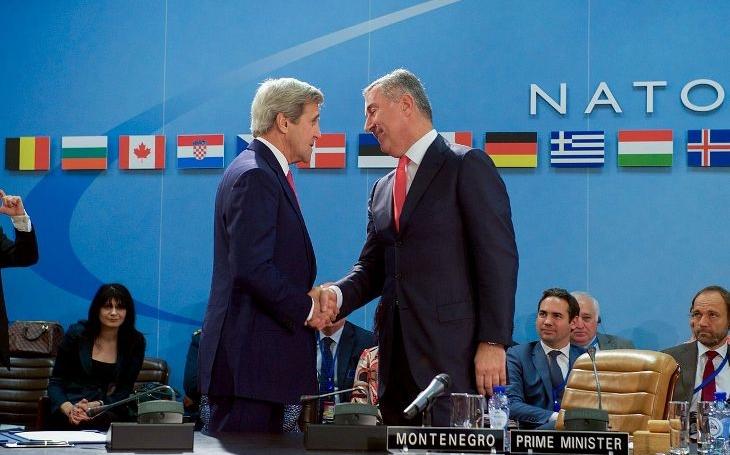 KOMENTÁŘ: Naše členství v NATO nemá srovnatelnou alternativu. Vystoupení z něj by znamenalo bezpečnostní ohrožení a ruskou snahu zaplnit volný prostor