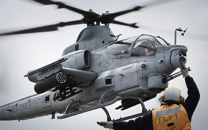 Americká námořní pěchota se zbavuje až pětiny vrtulníků Venom a Viper – příležitost i rizika pro AČR