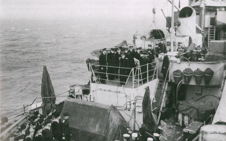 Spojené státy tajně půjčily Stalinovi 150 válečných lodí na boj s Japonskem, vrátil se jim šrot