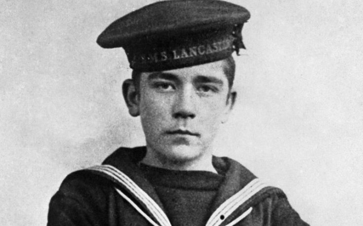 V 16 letech dostal posmrtně Viktoriin kříž. Jack Cornwell vzorně čekal i těžce zraněný na rozkazy