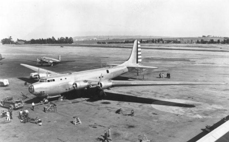 Na velikosti už nezáleží. Těžký bombardér Douglas XB-19 se silnou výzbrojí stejně zastaral