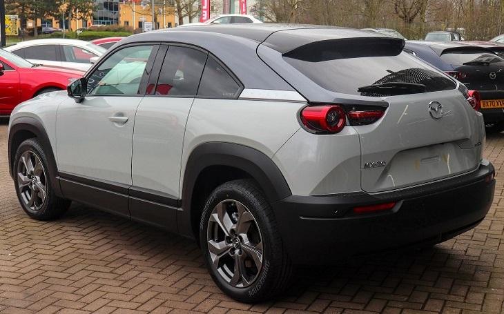 Mazda oznámila, že MX-30 půjde na americký trh tento podzim