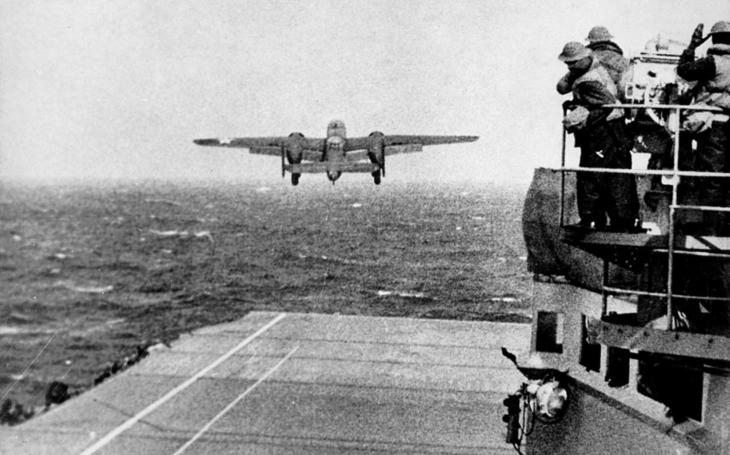 Pomsta za Pearl Harbor – bomby plukovníka Doolittla dopadly na překvapené Tokio