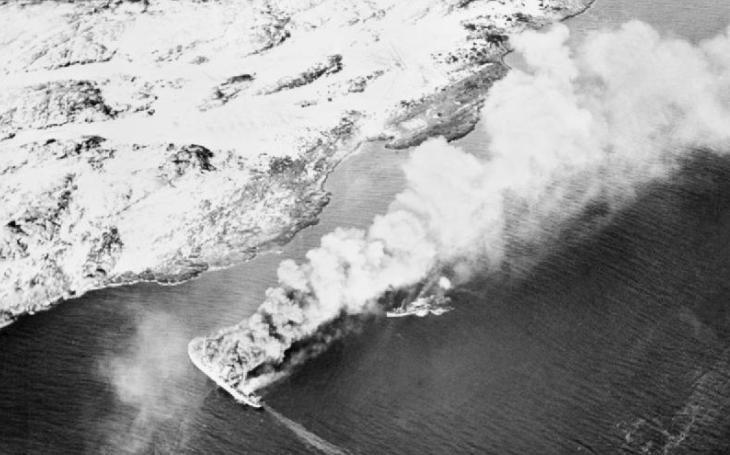 2 500 zajatců našlo smrt v potopené transportní lodi. Britský omyl, který přišel draho