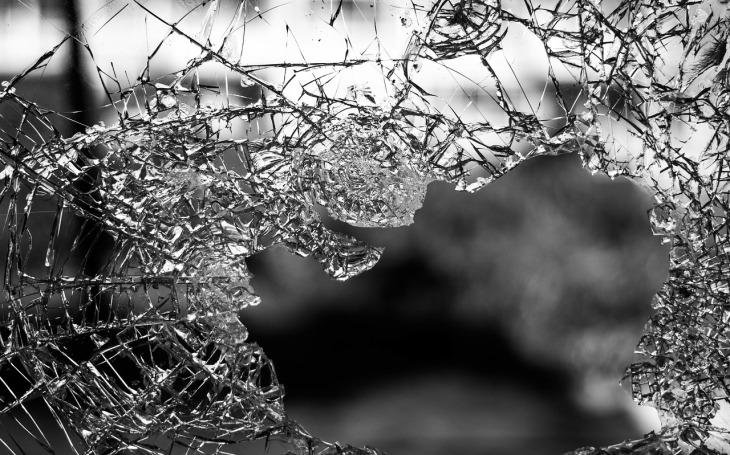 Policejní humoresky - Vyhození z okna nebývá zdraví prospěšné