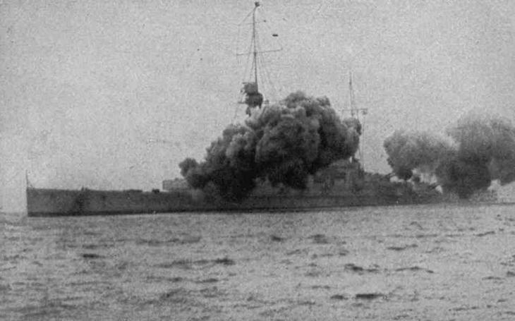 Císařův železný pes a vybuchující bitevní křižníky Royal Navy