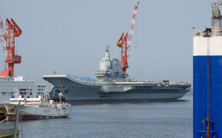 Čína disponuje početně nejsilnějším loďstvem – spojenci jí nesmějí dovolit dojem byť lokální převahy