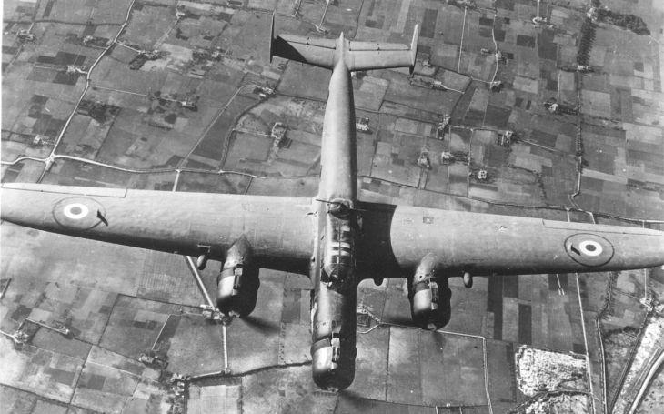 Z.1007 Alcione: Italský střední bombardér do války. ,,Ledňáček&quote; s celodřevěnou konstrukcí