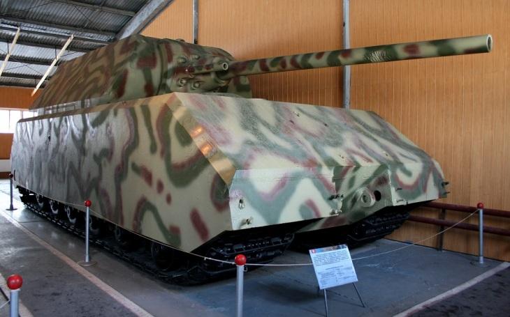Panzerkampfwagen VIII Maus - Supertěžký tank, který měl ,,zdevastovat&quote; bitevní pole. Nakonec ani boj nezakusil