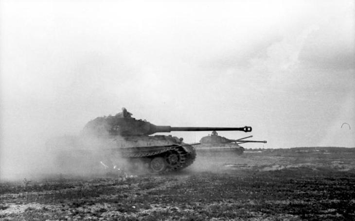 Těžký tank Tiger II nesloužil jen Hitlerovi - po válce pro něj využití našli ve Švédsku