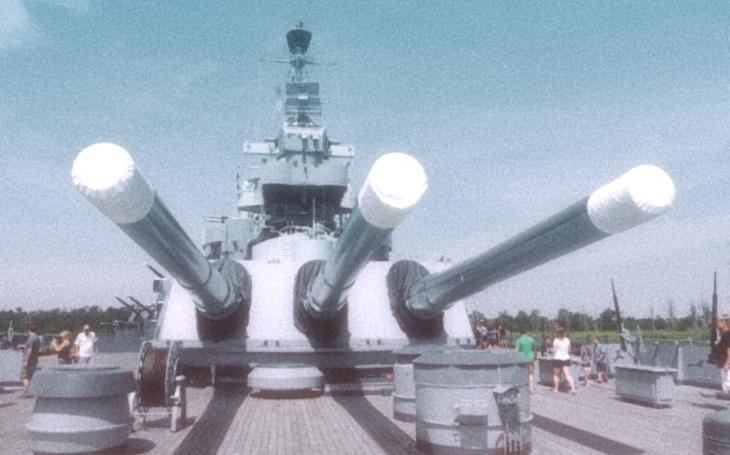 Američtí inženýři navrhli gigantickou hybridní bitevní loď  pro Sovětský svaz
