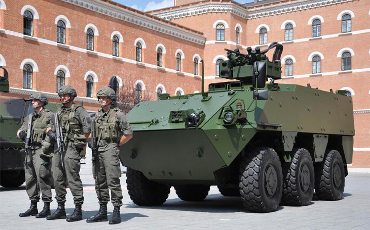 Rakouský 17. myslivecký prapor přechází na nové Pandury EVO - modernizované šestikolové příbuzné našich Pandurů II