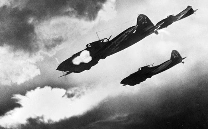 Létající stíhač tanků sestřelil údajně 90 &quote;cementových bombardérů&quote; Iljušin Il-2