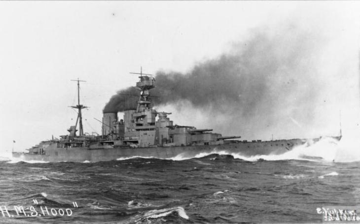 Tragické chyby britského viceadmirála Hollanda stály život 1 416 mužů na bitevním křižníku HMS Hood