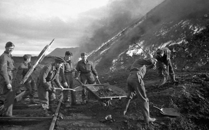2 000 Sovětů nakonec do nacistických osidel nepadlo. Za záchranu mohli děkovat pohotovým Kanaďanům