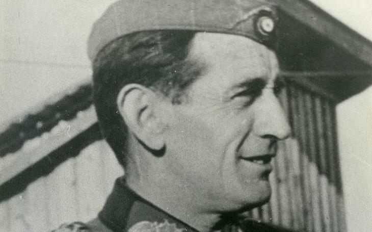 Španělé jako vítaná pomoc nacistickému Německu. Modrá divize proti Stalinovi