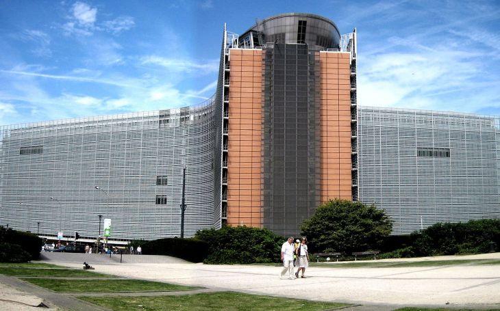 """Návrh Evropské komise na potírání """"zločinů z nenávisti"""" ohrožuje svobodu projevu"""