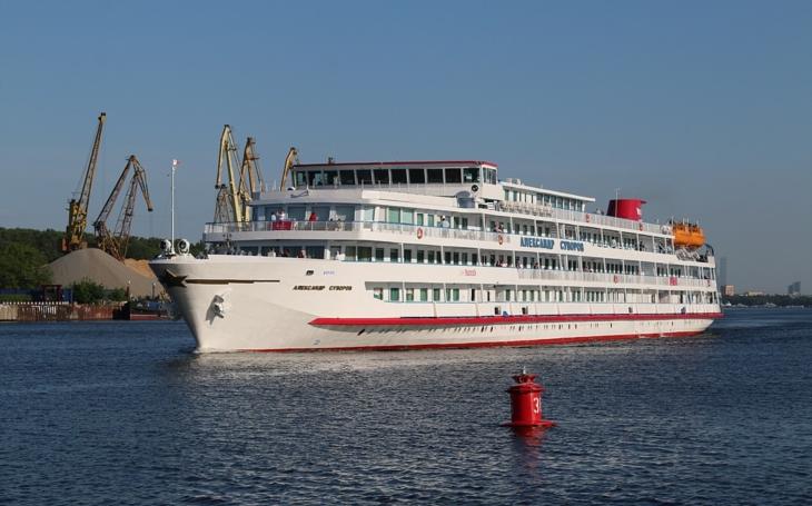 177 mrtvých při nejhorší sovětské lodní katastrofě na řece Volze v roce 1983 - loď narazila do železničního mostu