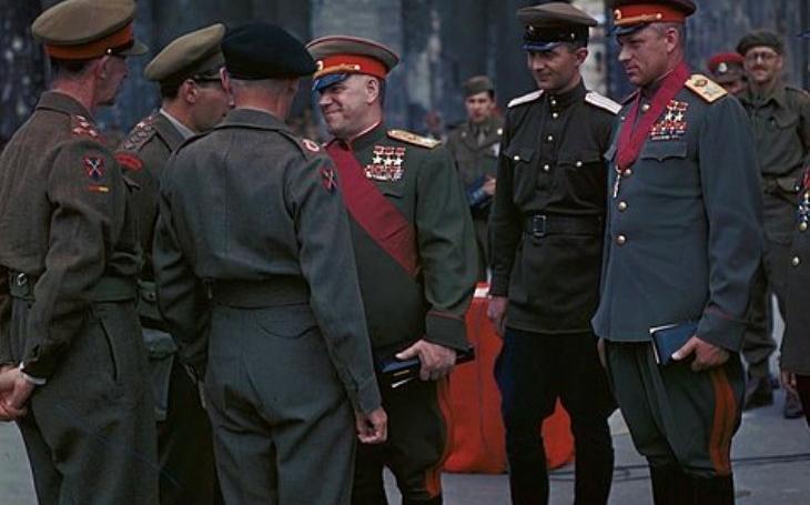 Vrazi, násilníci, zrádci. Hrdinové Sovětského svazu, kteří byli potupně zbaveni svého titulu