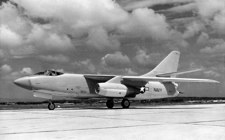 VIDEO: Douglas A-3 Skywarrior - Americká ,,velryba&quote; sloužila skoro 40 let u amerického námořnictva