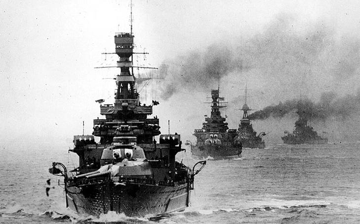 O bitevních křižnících HMS Refit a HMS Repair - modernizační problémy Královského námořnictva