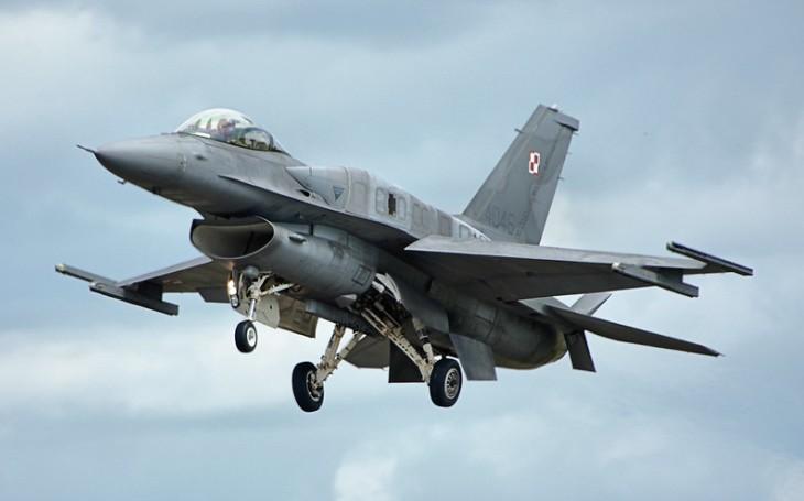 Ukrajina v ,,západním objetí&quote;. USA nabízí letouny F-16