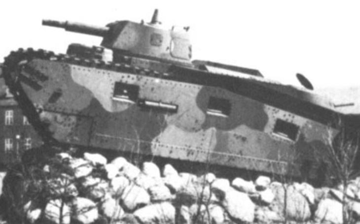 Grosstraktor - Německý projekt středního tanku v přísném utajení. S testováním pomohli Sověti. Stroje skončily svou ,,kariéru&quote; jako památníky před kasárnami