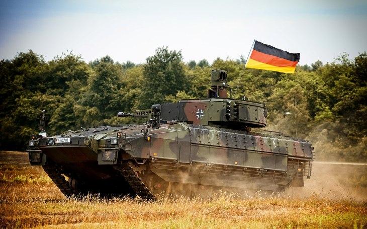 Miliardová zakázka pro společnost Rheinmetall Bundeswehr modernizuje bojové vozidlo pěchoty Puma na novou konstrukci