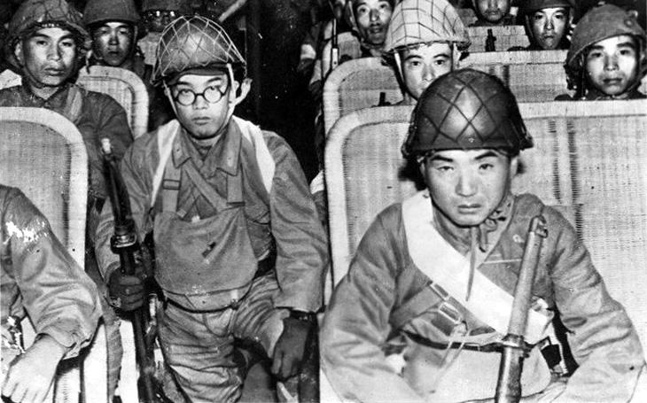 Labutí píseň japonských výsadkářů - sebevražedný noční výsadek proti americkým letištím