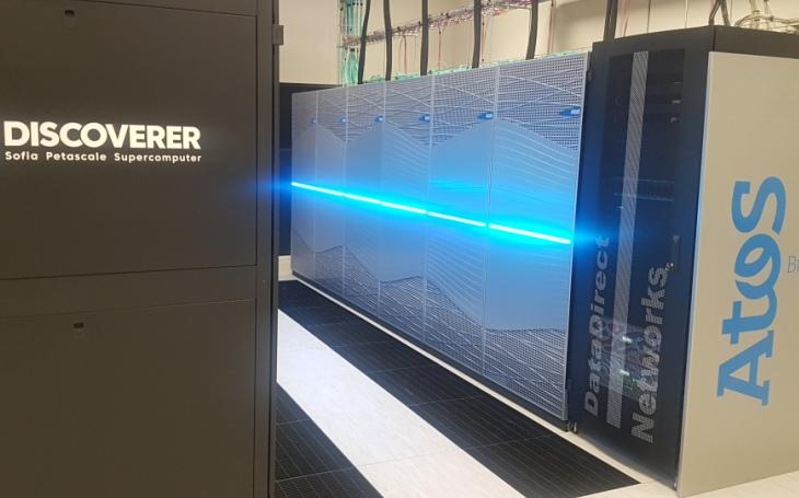 Superpočítač sestavený českým Atosem je jedním ze stovky nejvýkonnějších na světě