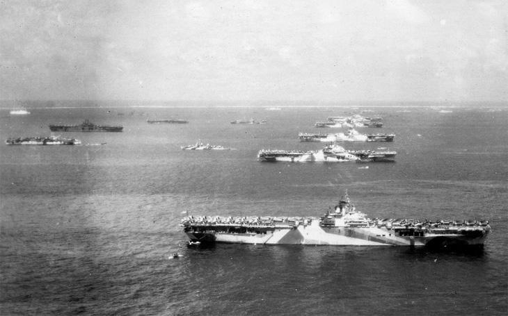 Japonské císařské tornádo - pásovými vozidly proti letadlovým lodím