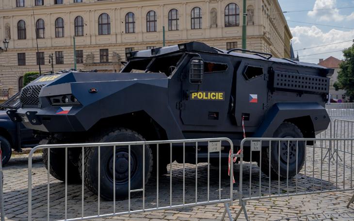 Obrněné vozidlo Patriot II bude jednou z hvězd nejdražšího filmu společnosti Netflix