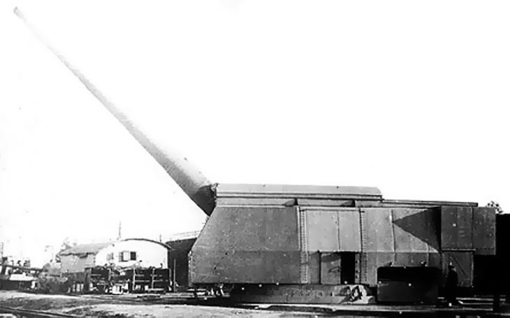 Sovětské 406mm dělo pro bitevní lodě třídy Sovětskij Sojuz – pověstné házení perel sviním