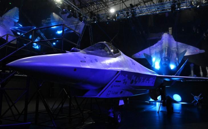 VIDEO: Ruský ,,Šach mat&quote; americké F-35? Nový očekávaný stíhací letoun byl představen na aerosalonu MAKS-2021