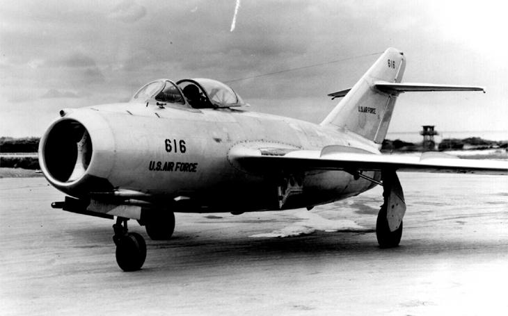 Sovětské letouny a piloti v korejské válce - MiGy zastavily spojenecké denní nálety
