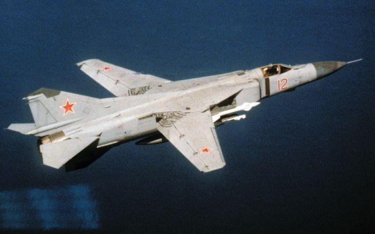 MiG-23: Nejvíce vyráběný stíhač s měnitelou geometrií na světě. Na Západě letounu nedůvěřovali