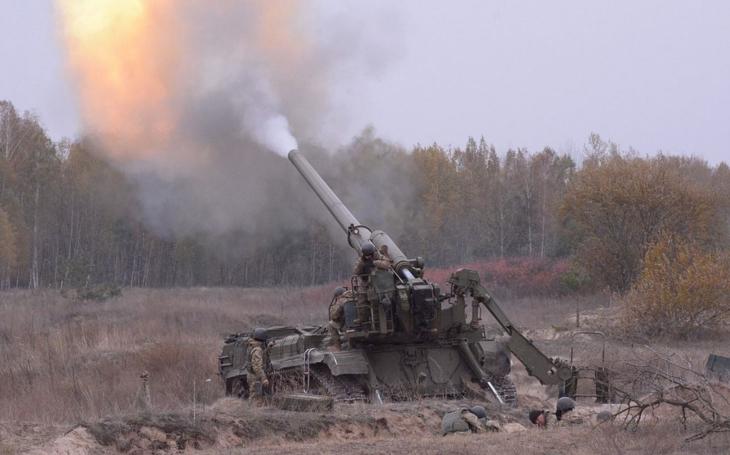 Ex-sovětské 203mm samohybné houfnice 2S7M Malka jsou v Rusku již déle než rok opět ve službě