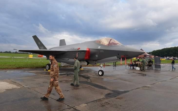 Vrcholem programu probíhajících Dnů NATO v Ostravě je premiéra letounu F-35 Lightning II