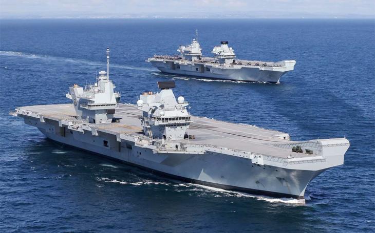 Proč nemají britské letadlové lodě třídy Queen Elizabeth úhlovou palubu
