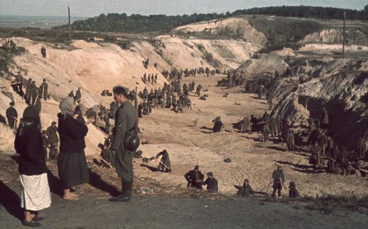 Děsivý masakr v Babím Jaru. Krvavá jatka stála život přes 30 000 židů