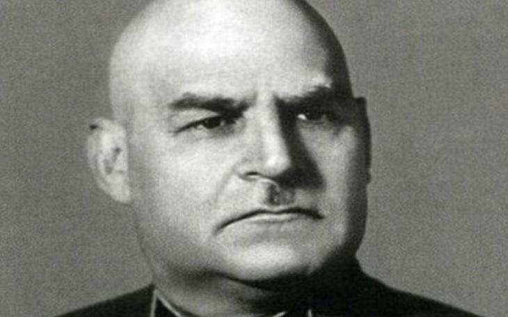 Grigorij Ivanovič Kulik: Jak se stát vyvrhelem. Neschopný vojenský velitel zbožňoval Stalina, ten jej nakonec ,,odkopl&quote;