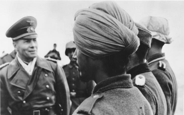 Indové v Hitlerových službách. Nacisté si vyzbrojili jednotku proti Britům