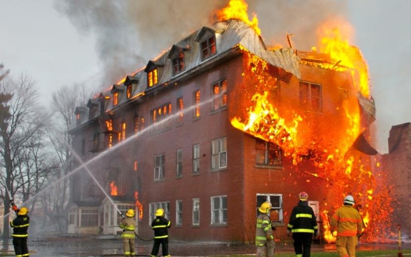 Rušné léto hasičů: požáry střídaly bleskové povodně a přívalové srážky