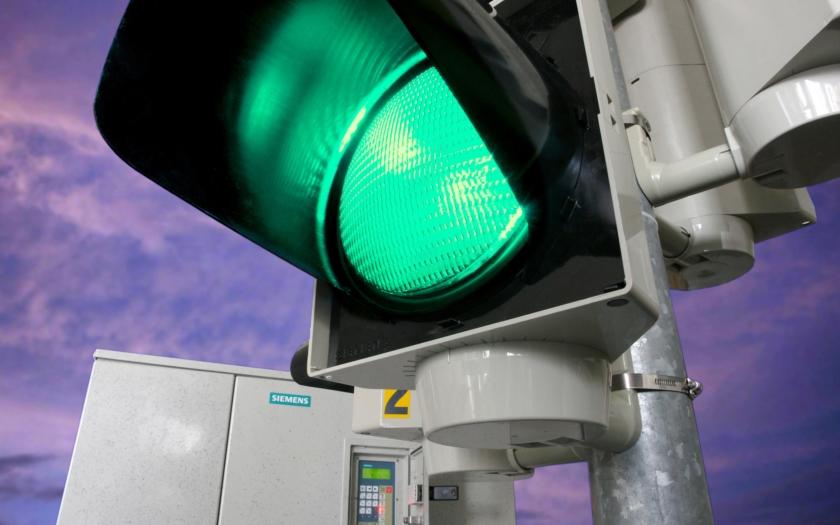 Křižovatkou jedině na zelenou